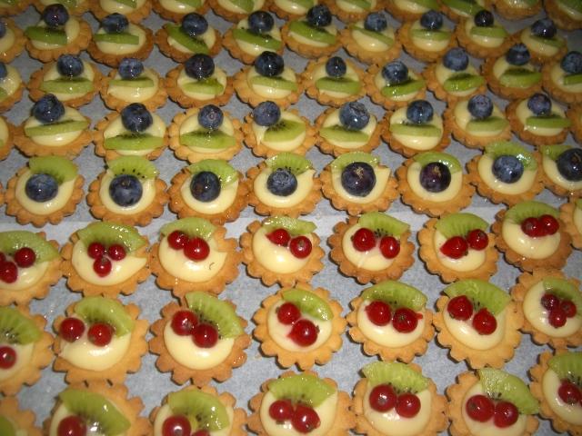Ben noto buffet   TOMASI pane dolci gelati PF85